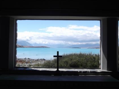 羊飼いの教会・テカポ湖畔にて♪