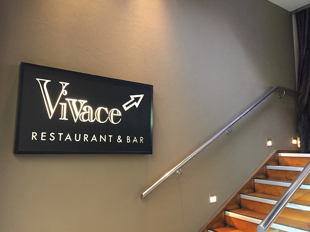 vivace entrance steps