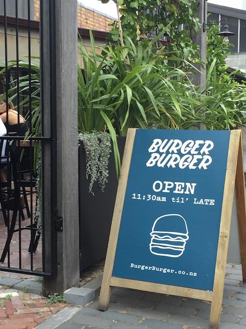 burgerburger-newmarket sign