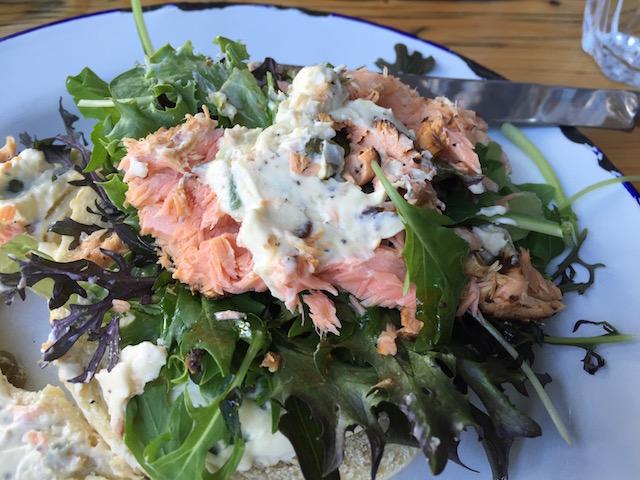 goodness gracious classic bagle salmon