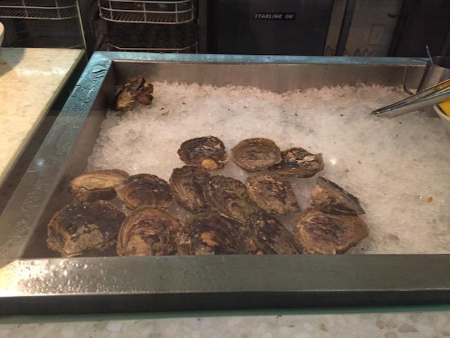 banque oyster bar bluffs