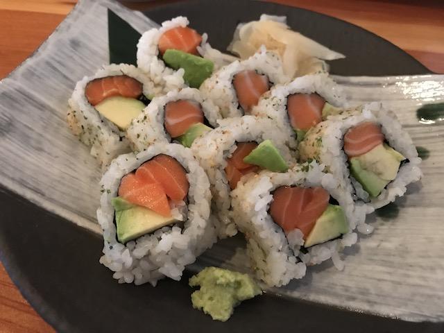 sake bar icco 201711 salmon avo rolls