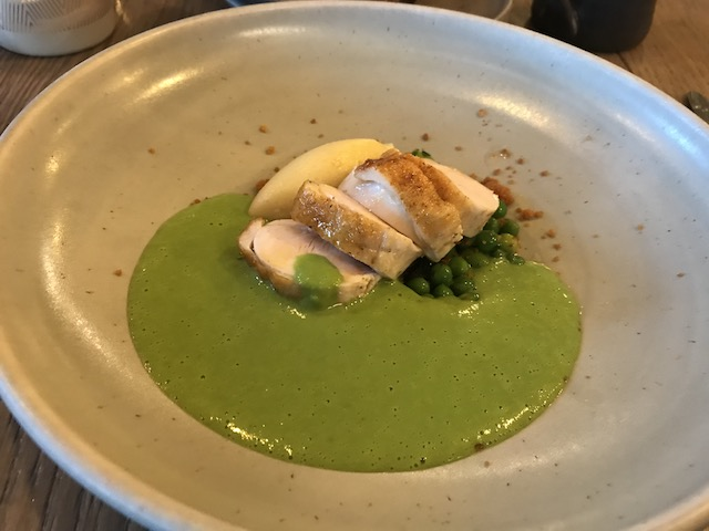 paris butter 201711 chicken w lettuce sauce