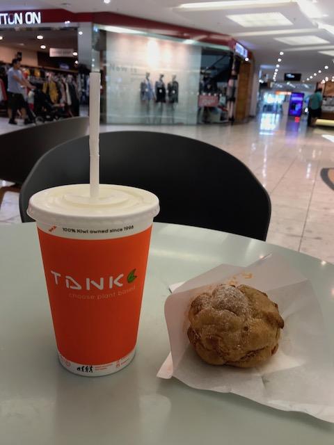 tank & cream puff 201801