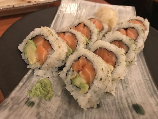 sake bar icco 201806 salmon avo maki