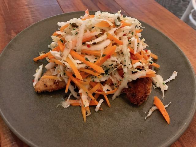 mojo 201902 crispy chicken salad