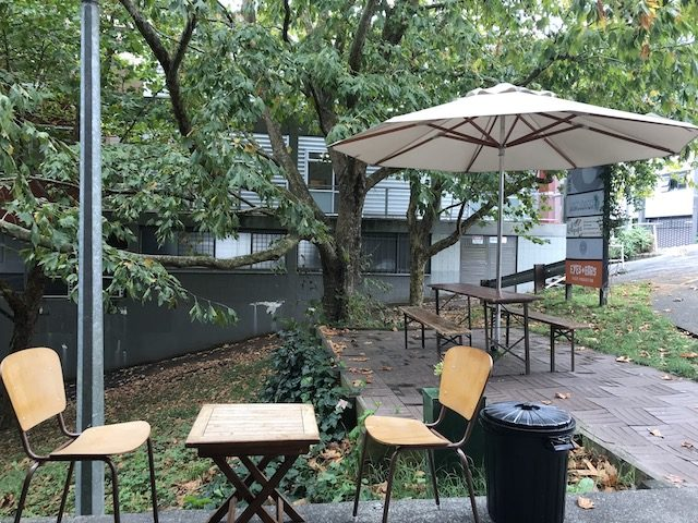 coffee pen 201903 outdoor seating