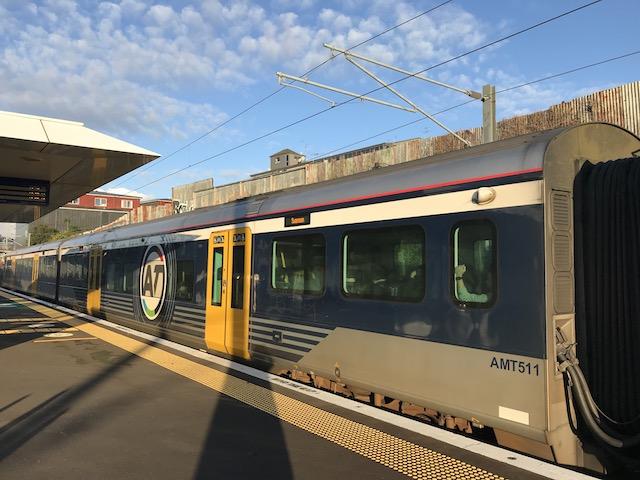 auckland train 201906 western train