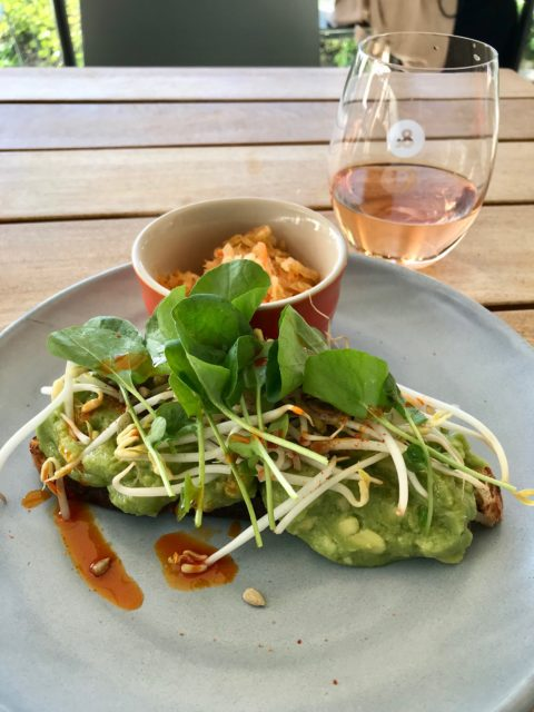 ampersand eatery 201907 smashed avo & wine