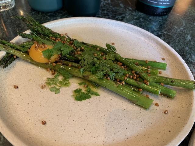 hugo's bistro 202002 asparagus