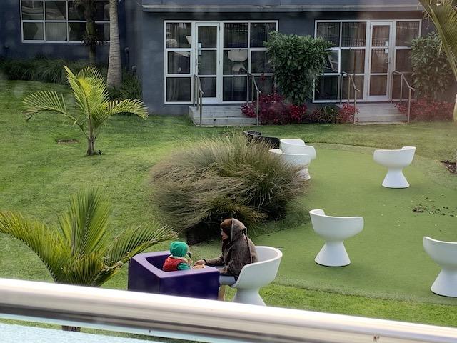 isolation hotel 2020 garden3