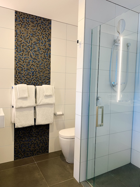 202105 isolation hotel bathroom