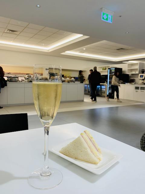akl airport 202106 nz lounge3