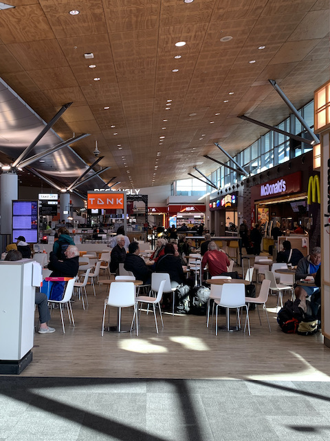auckland airport 202107 eatery